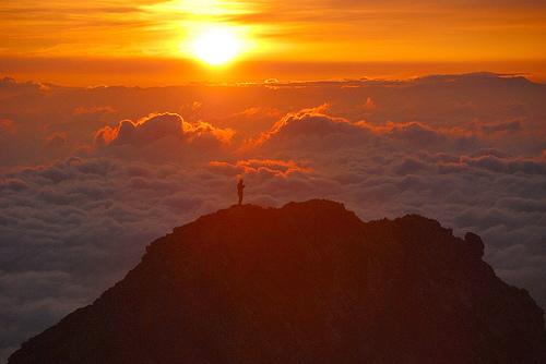 rising-sun-goryu-dake-peak